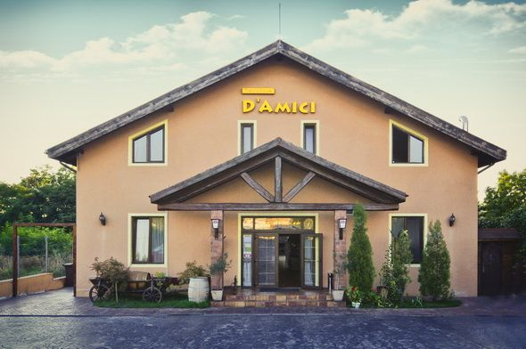 Detalii Restaurant Restaurant Taverna D`Amici