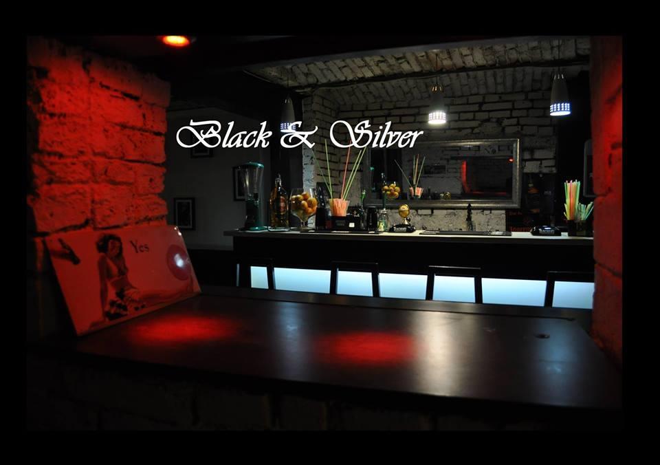 Bar/Pub Black & Silver