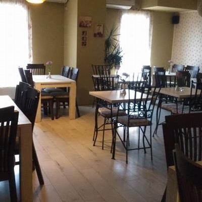 Restaurant Intim foto 1