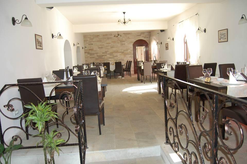 Restaurant Hanul Domnesc foto 0