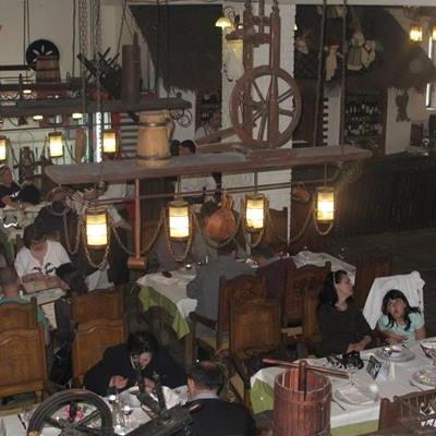 Restaurant Hanul Ancutei foto 2