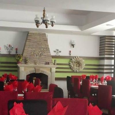 Restaurant Hanul cu Flori foto 2
