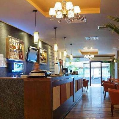 Bar/Pub Maroon Café foto 2