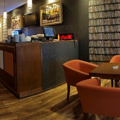 Bar/Pub Maroon Café foto 0